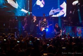 """CAMILA & SIN BANDERA EMOCIONARON A TODO EL LUNA PARK CON SU """"4 LATIDOS TOUR"""""""