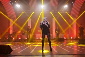 "VALERIA LYNCH REALIZO SU SHOW DE STREAMING""IMPARABLE"" ANTE 7.548 PERSONAS"